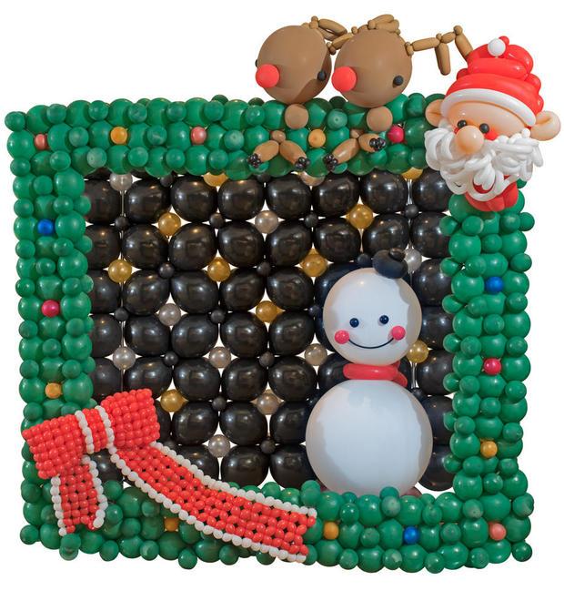 wbc-balloon-gallery-santa-and-reindeer-1000.jpg