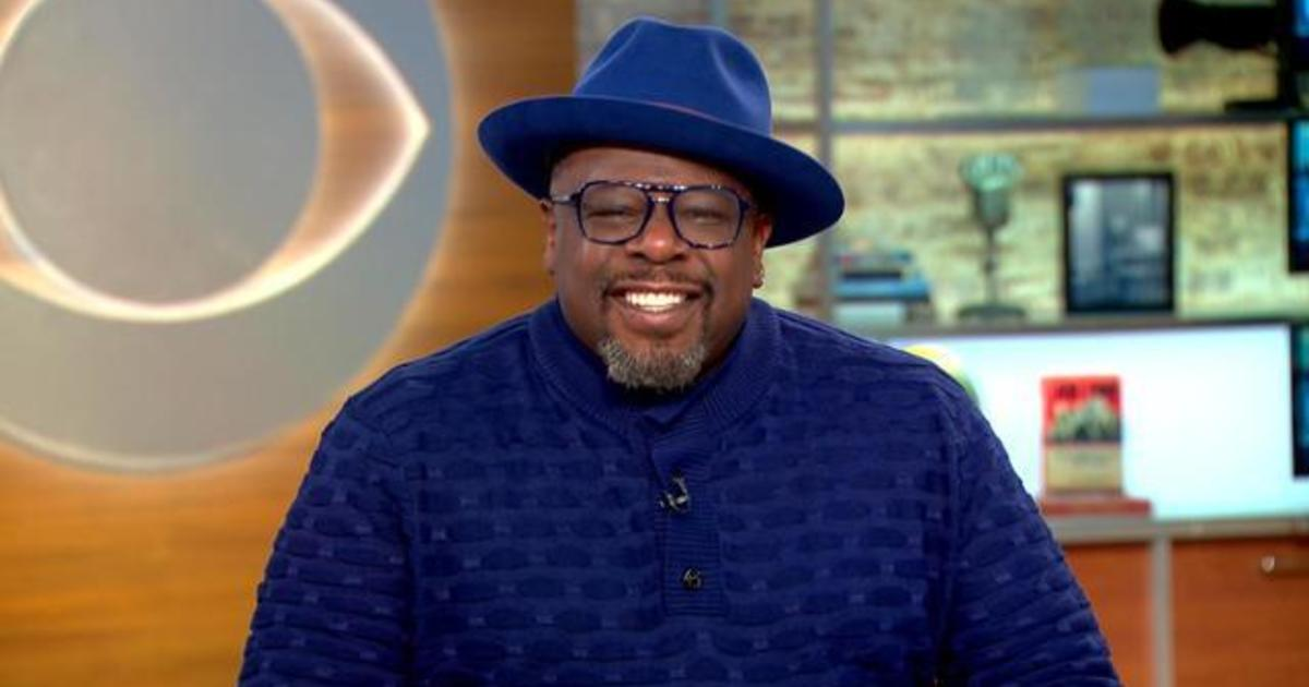 Cedric The Entertainer Talks Race In The Neighborhood Cbs News