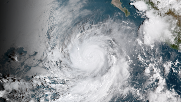 hurricane rosa becomes category 3 storm as tropical storm kirk