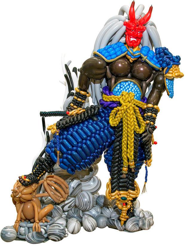 wbc-balloon-gallery-warrior-sculpture-1000.jpg
