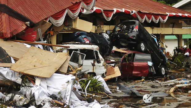 Hundreds dead from Indonesia earthquake, tsunami