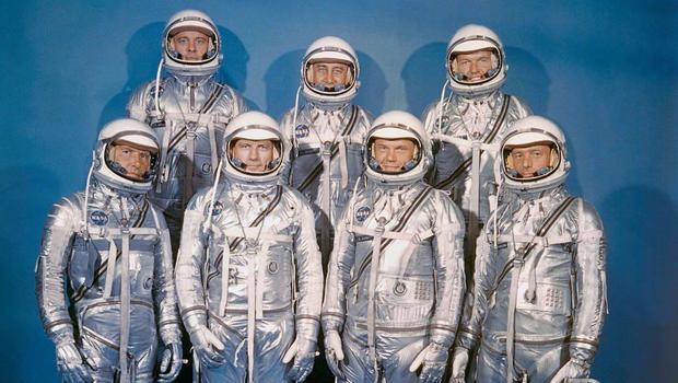 "Martin unveils lunar lander concept vehicle"""
