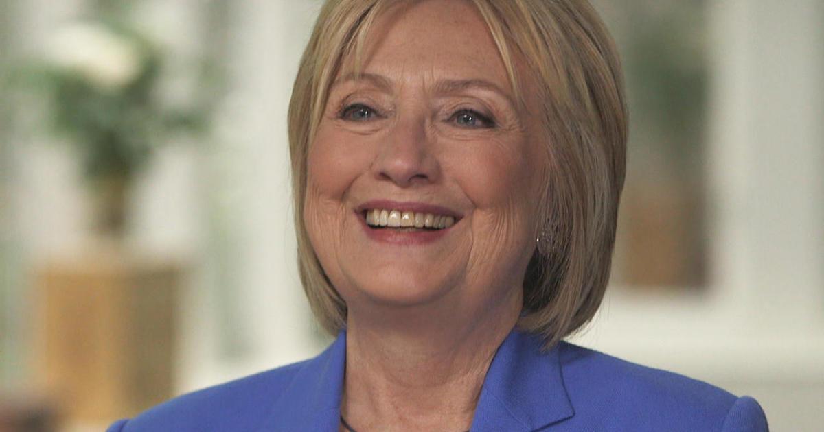 Hillary Clinton seems unharmed after minor car crash