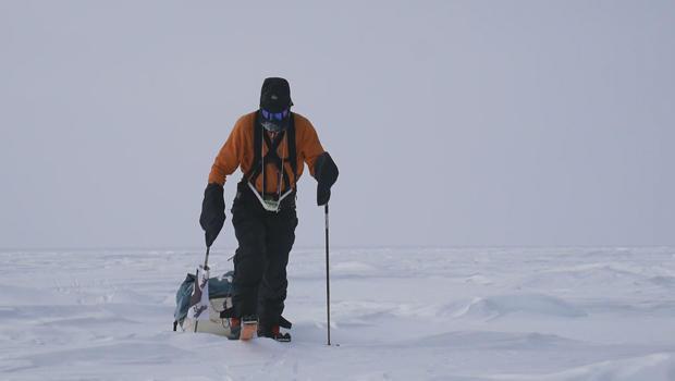 henry-worsley-solo-antarctic-trip-pulling-sled-620.jpg