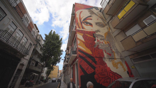 vhils-lisbon-mural-a-620.jpg