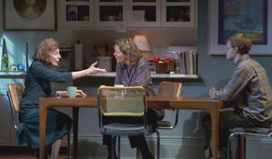 "Kenneth Lonergan on ""The Waverly Gallery"" and its personal story of dementia"
