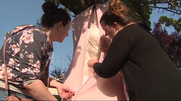 181112-cbs-sacramento-bride-wedding-dress-wildfires.png
