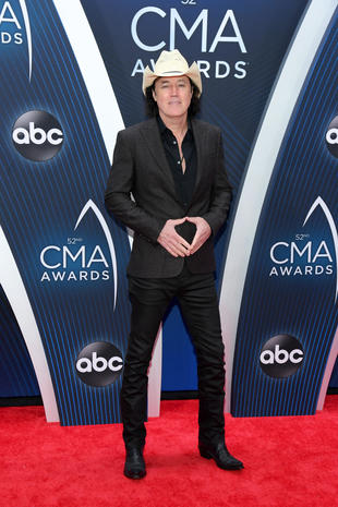 David Lee Murphy Cma Awards 2018 Red Carpet Pictures Cbs News