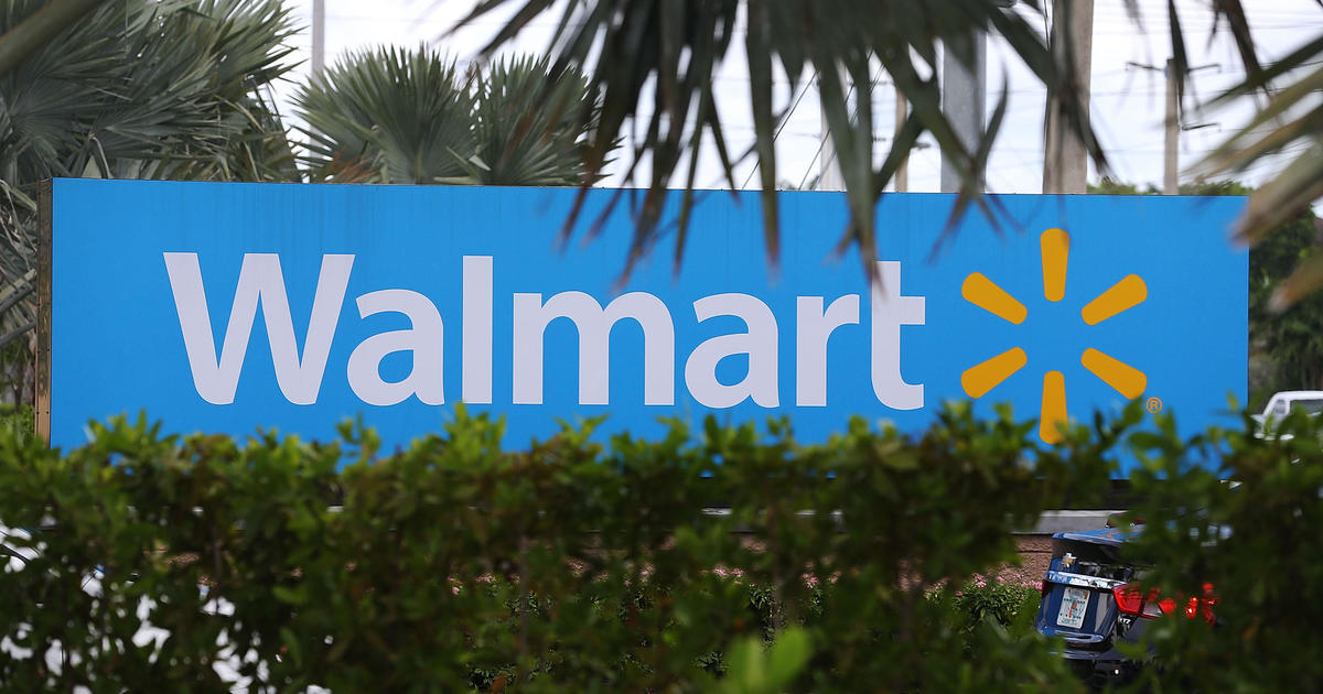 Walmart poised to overtake Apple in online sales