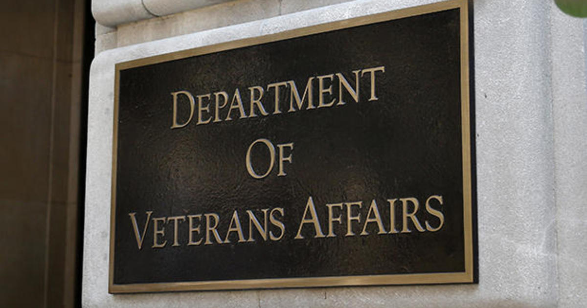 Veterans struggle with delayed GI Bill payments as lawmakers slam VA