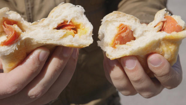 tear-into-a-pepperoni-roll-620.jpg
