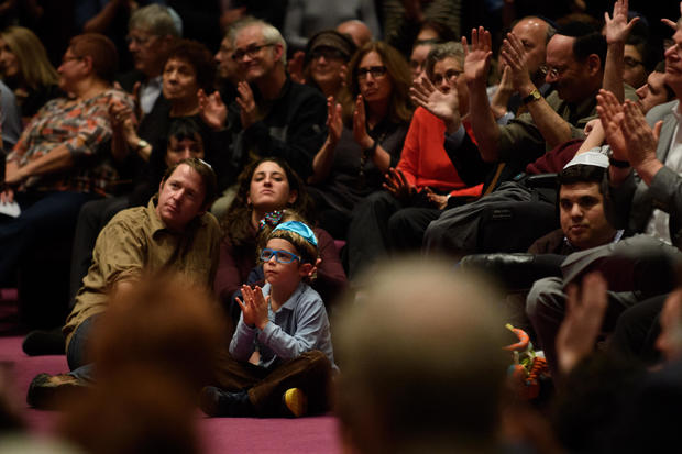 Pittsburgh Area Congregation Attend First Shabbat Since Last Saturday's Synagogue Shooting