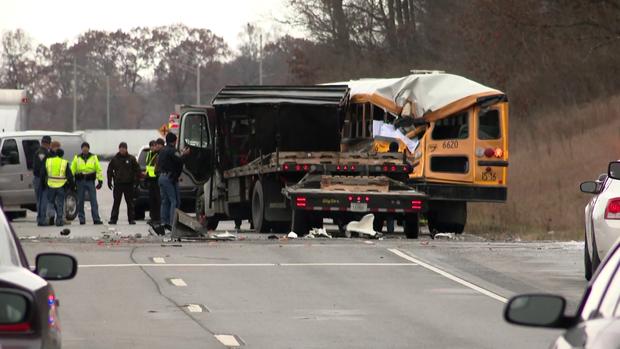 181205-wsbt-buss -truck-crash-01.png
