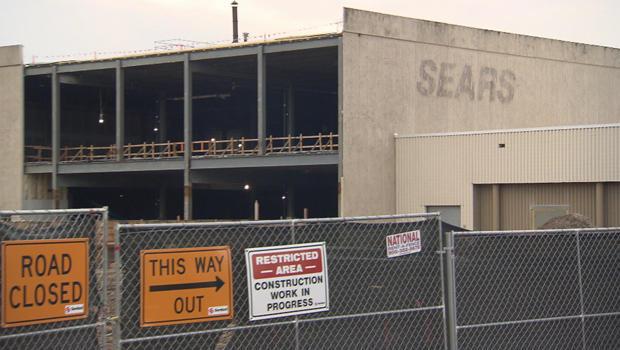sears-store-being-demolished-620.jpg