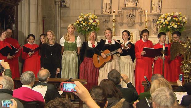 silent-night-performance-at-trinity-church-620.jpg