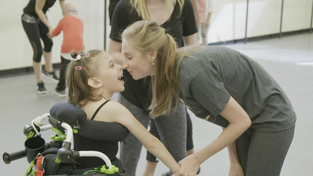 ballet-workshop-keren-rak-mehler-with-ballerina-ashley-laracy-620.jpg