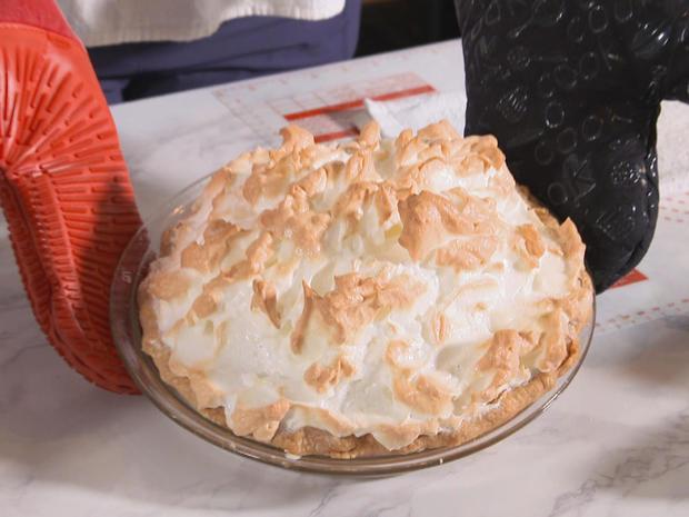 key-lime-pie-with-meringue-promo.jpg