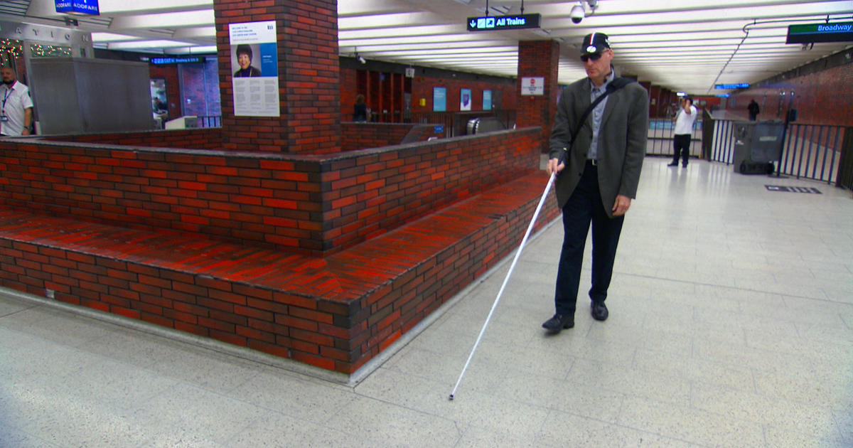 Architect Chris Downey goes blind, says he's actually gotten better at his job - 60 Minutes