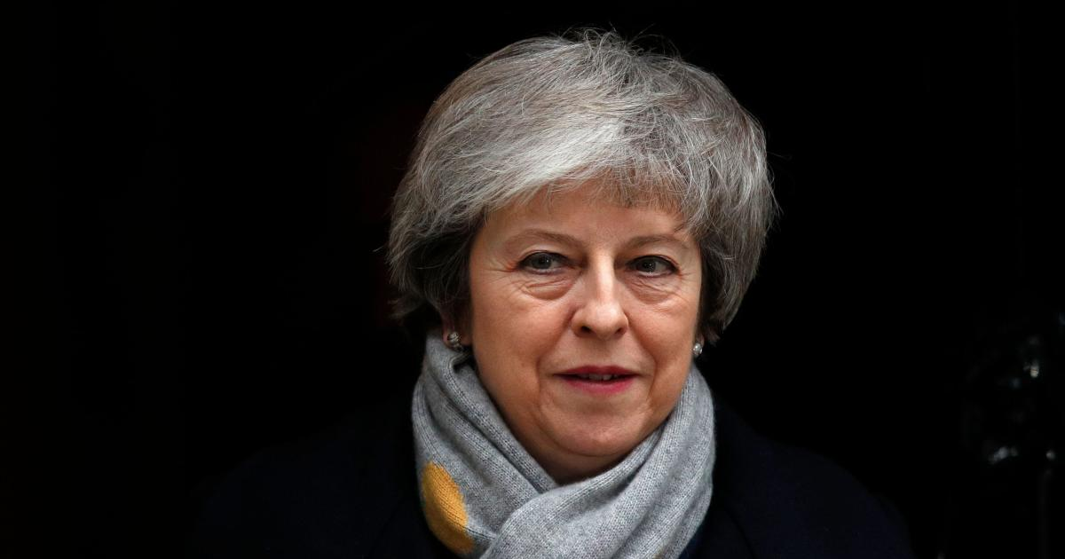 Theresa May survives no-confidence vote day after Brexit deal rejected