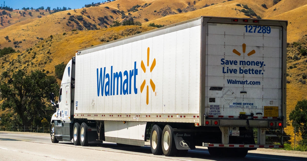 Walmart wants to hire 900 truckers and pay them nearly $90,000 a year