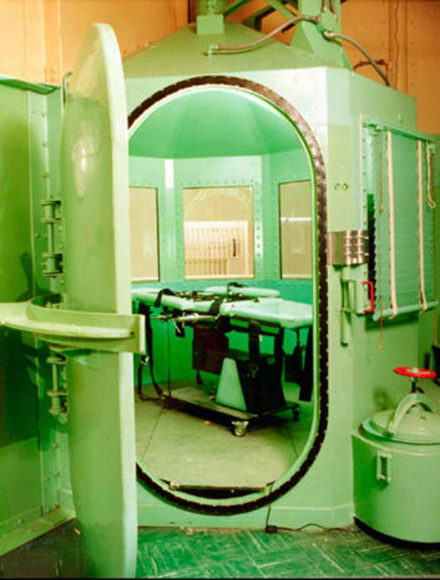 execution-chamber-sanquentin.jpg