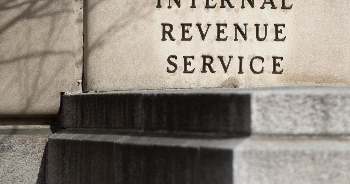 Tax returns 2019: IRS again lowers underpayment penalty after outcry - CBS News