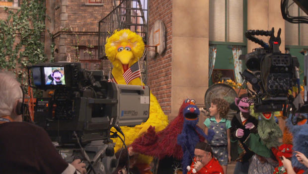 sesame-street-filming-with-muppets-and-crew-620.jpg