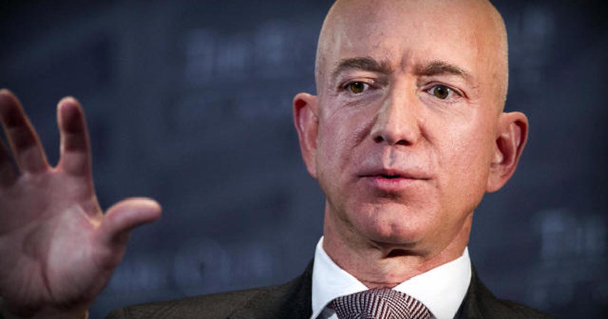 photo image Brother of Jeff Bezos' girlfriend questioned in leaked texts probe