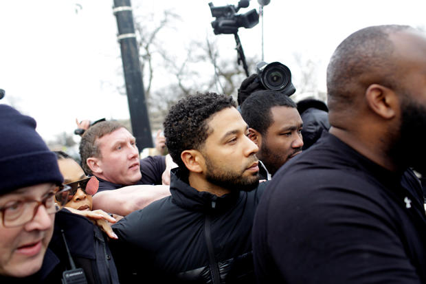 Jussie Smollett exits Cook County Department of Corrections