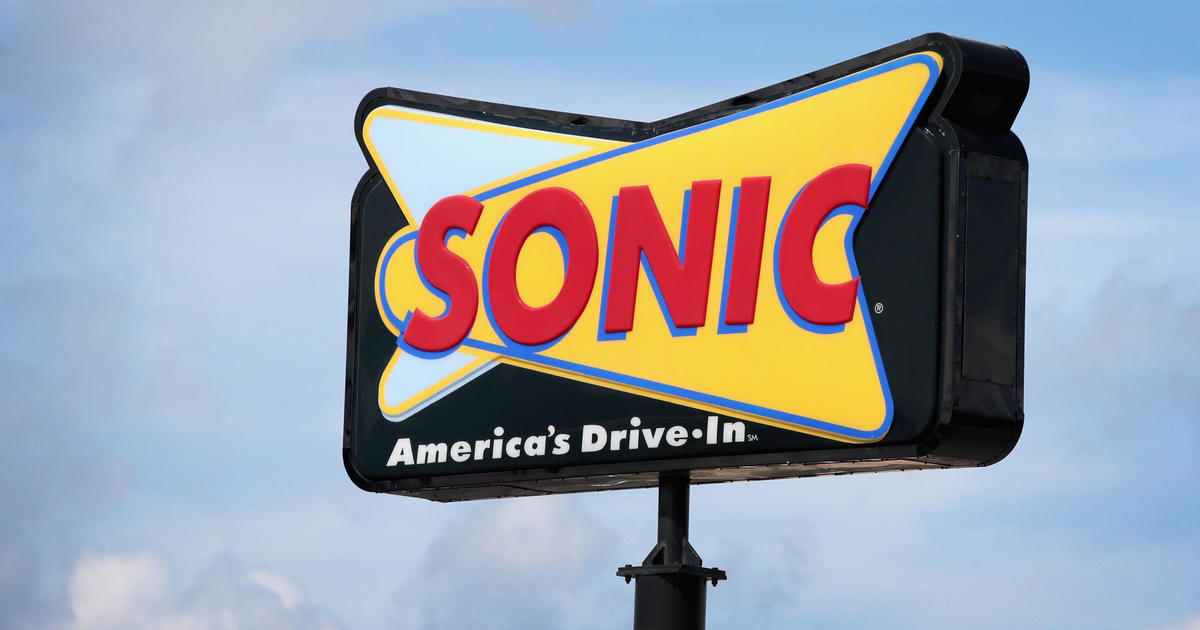 Ohio Sonic employees quit over pay-cut talk, leave scathing notes