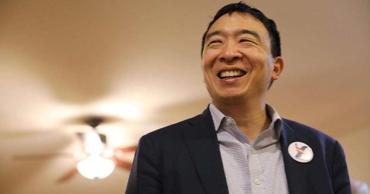 450,000 apply for shot at Andrew Yang's $1,000-a-month offer