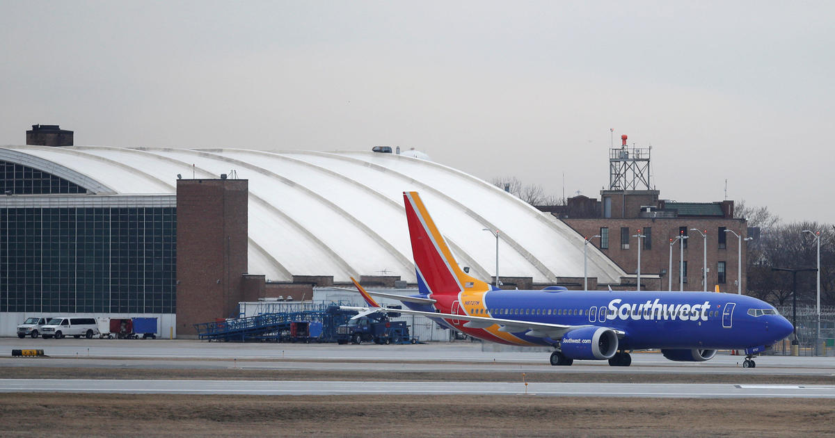 737 emergency landing: A Southwest Airlines Boeing 737 Max 8
