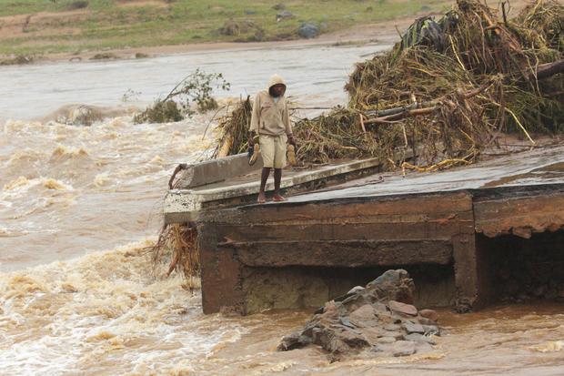 APTOPIX Zimbabwe Mozambique Cyclone