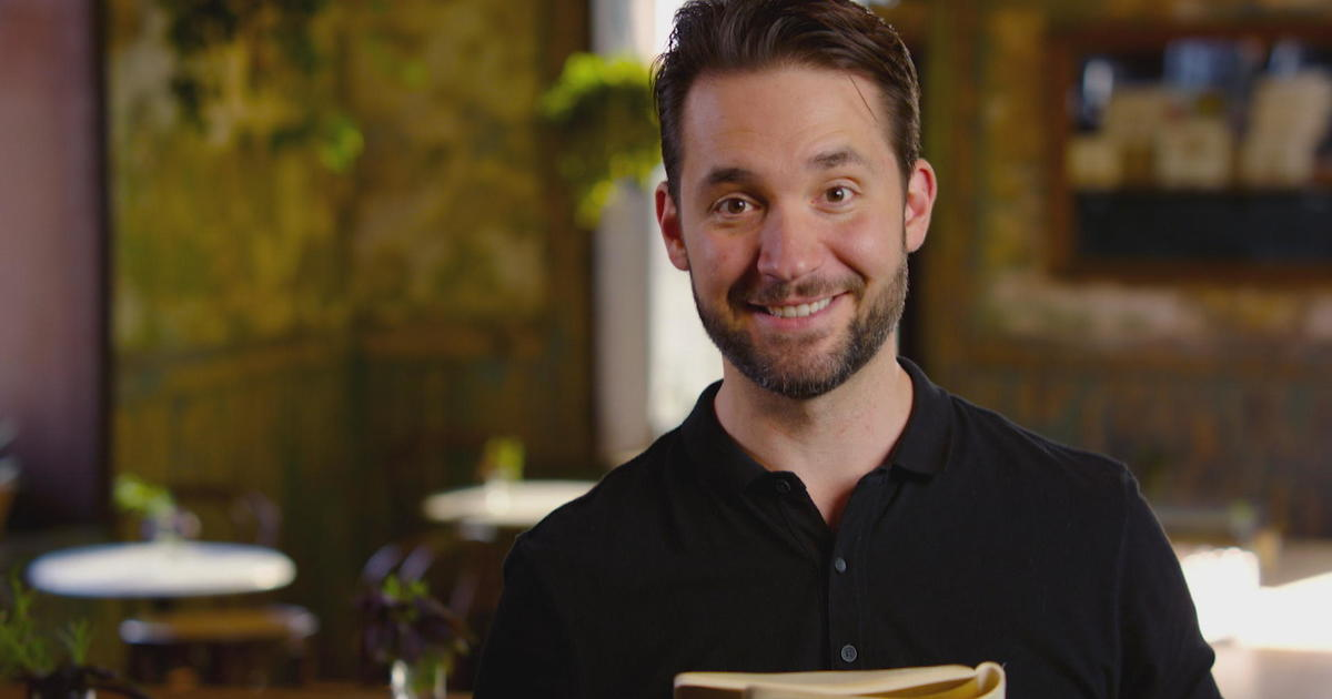 """Reddit co-founder Alexis Ohanian's note to his younger self: """"Trust your instincts"""""""
