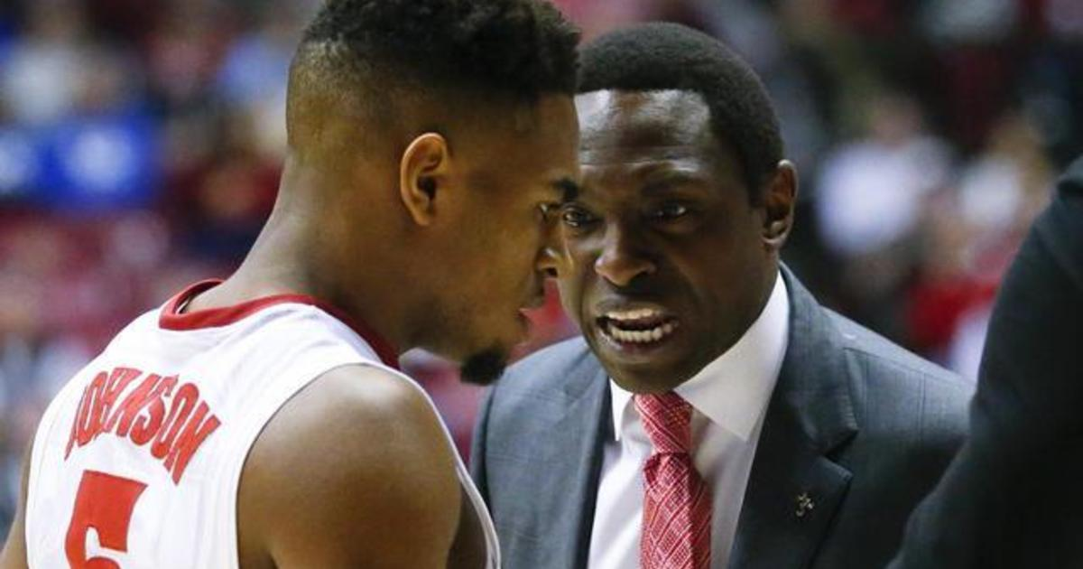 ceb289f03c5 Father-son duos in college basketball on the good and the bad of playing  for dad