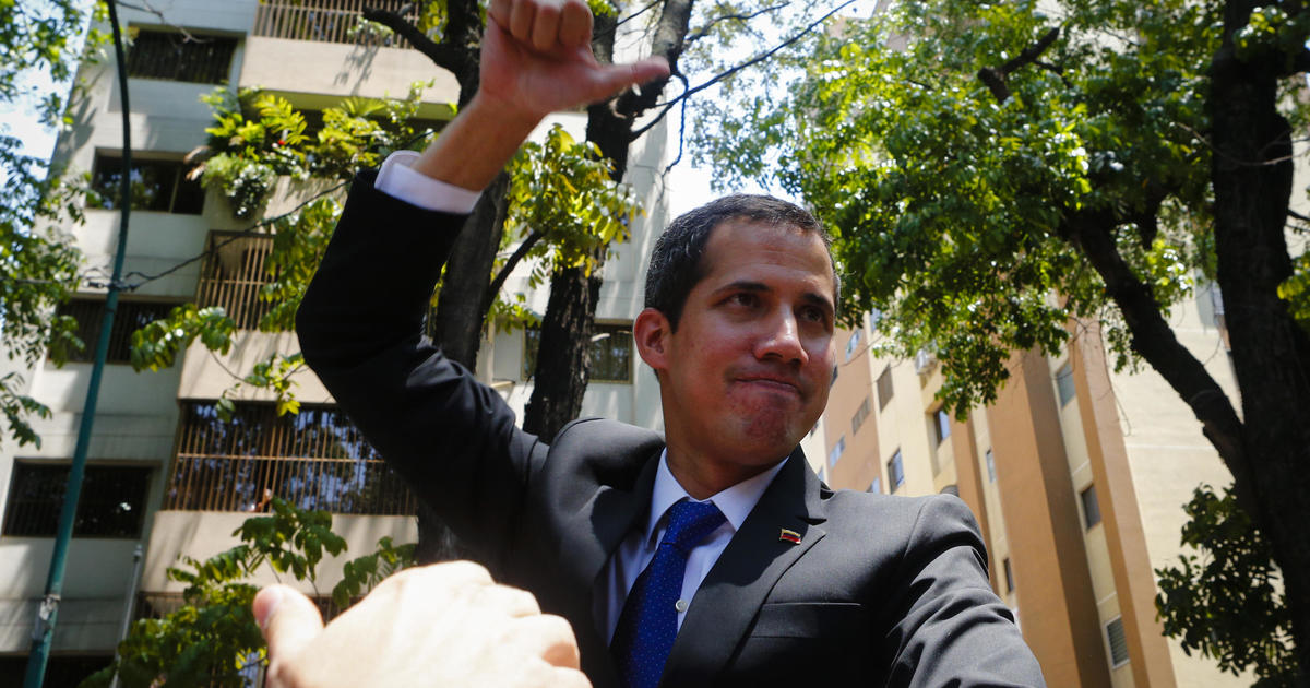 Venezuelan government bars Juan Guaidó from holding office for 15 years