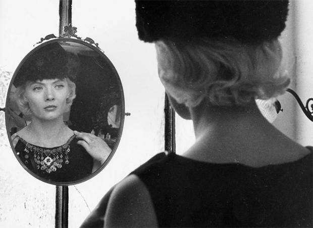 cleo-from-5-to-7-corinne-marchand-criterion-collection.jpg