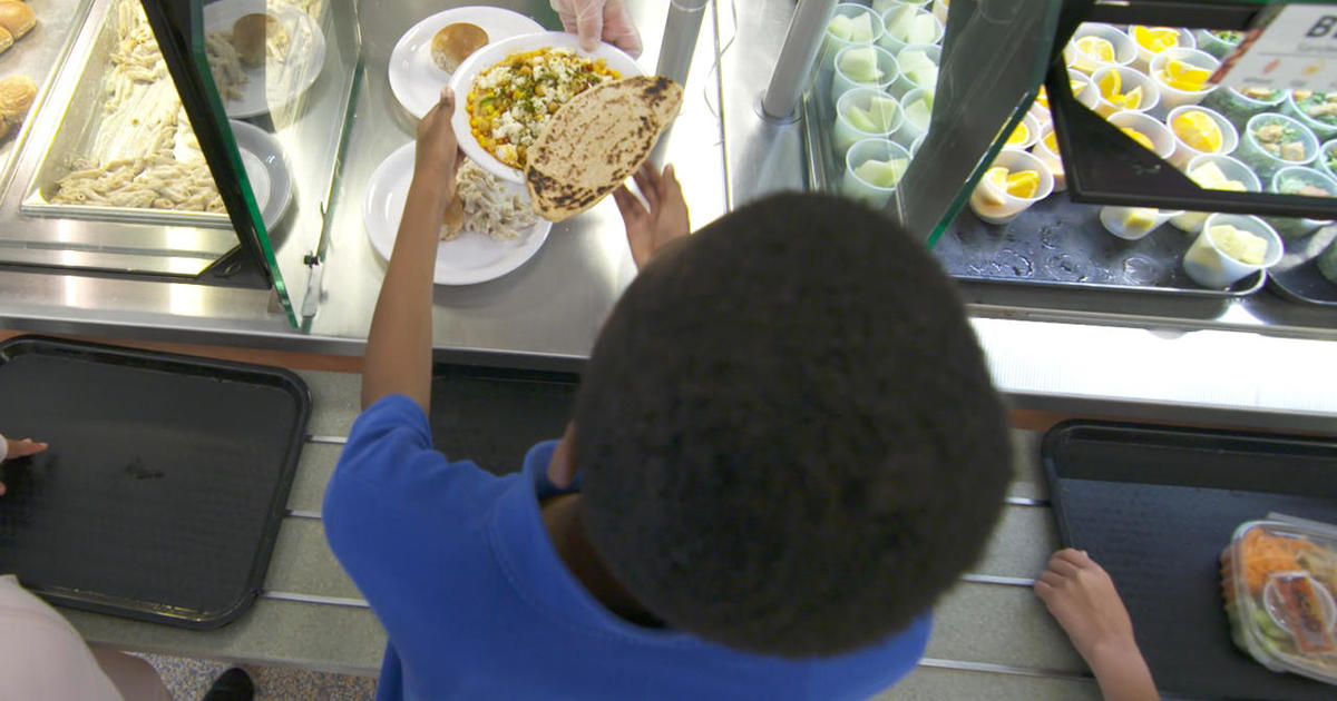 cbsnews.com - Half a million kids could lose free school lunches under new Trump administration rule