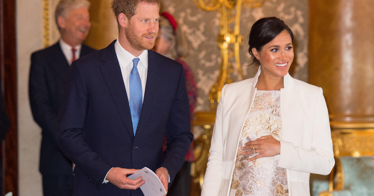 Meghan And Harry Plus One Hosted By Gayle King Cbs News Special To Look Back On Whirlwind Year For Royal Couple Cbs News