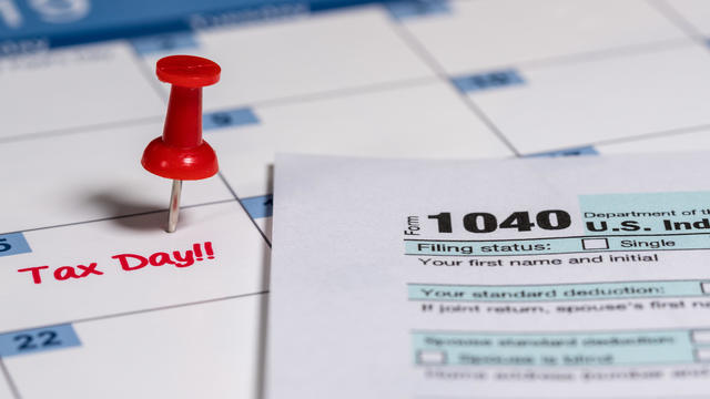 Tax Day reminder for April 15 on calendar