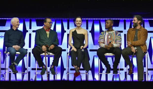 Anthony Daniels,Billy Dee Williams,Daisy Ridley,John Boyega,Oscar Isaac