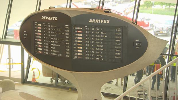 twa-hotel-departure-arrival-board-620.jpg