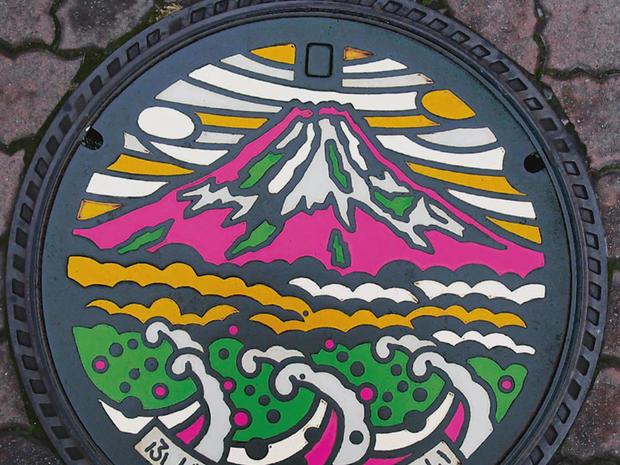japan-manhole-cover-art-fuji-promo.jpg