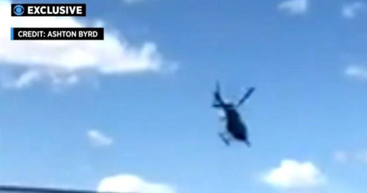 Video shows moment helicopter crashes into NYC's Hudson