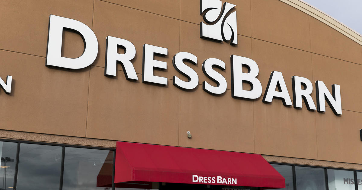 dressbarn closing dressbarn to close all 650 stores after losing