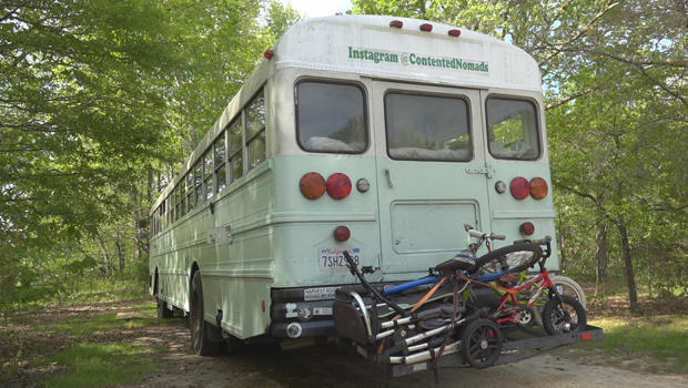 contended-nomads-bus-with-bikes-620.jpg