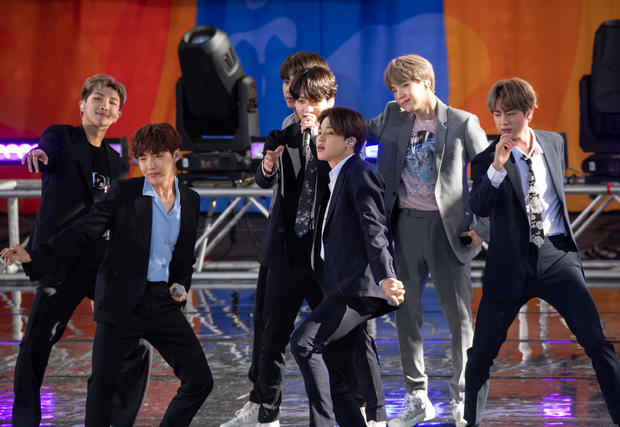 """BTS Performs On """"Good Morning America"""""""
