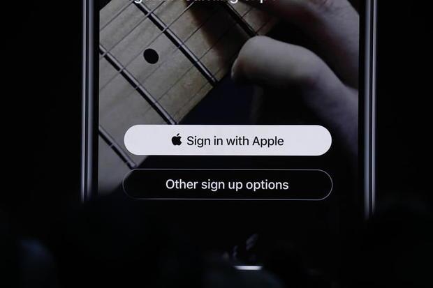 apple-sign-in.jpg
