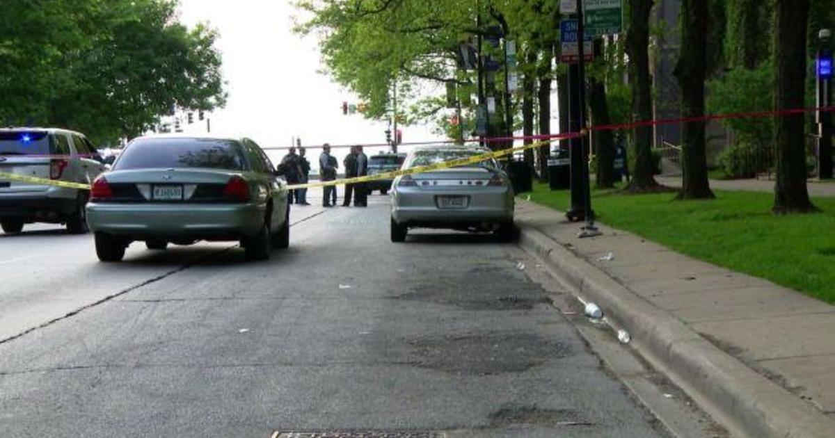 Chicago weekend violence: 52 shot, 10 killed in