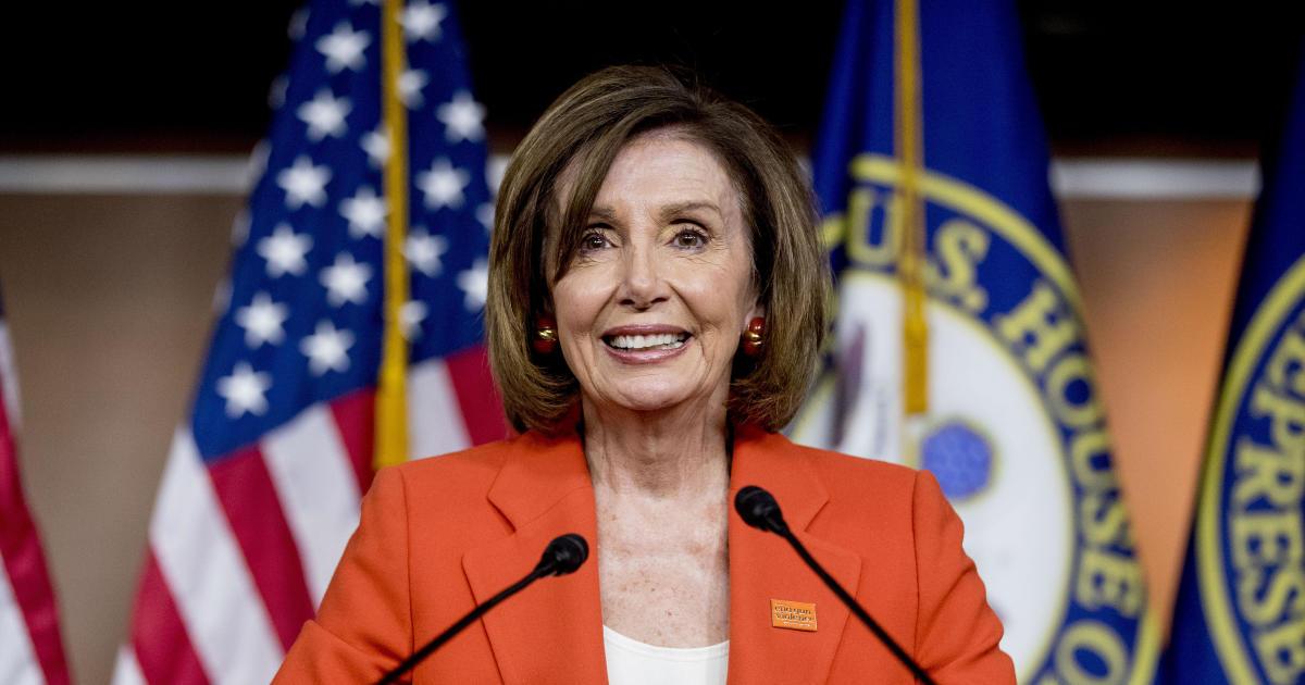 Pelosi distributes memo on defending national security ahead of Mueller hearing